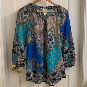 Beautiful boho top. Fig and Flower size M.